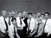 A 12 dühös ember